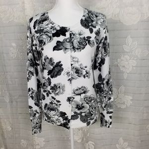 Pretty white with black & gray roses cardigan M